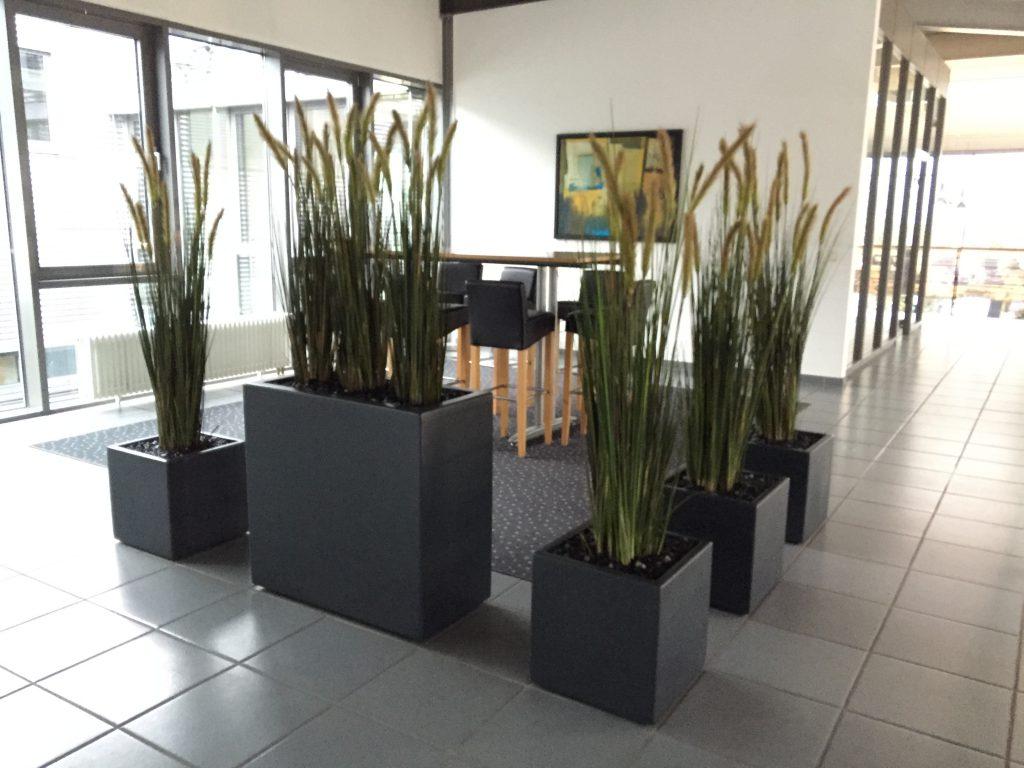 Pflanzgefäß mit Textilgräser